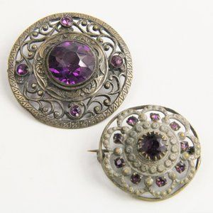 PAIR OF VICTORIAN BROOCHES WITH PURPLE GLASS STONE